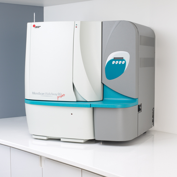Máy định danh vi khuẩn và làm kháng sinh đồ